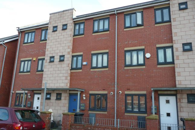 4 bed town house to rent in Reilly Street, Hulme, Manchester. M15