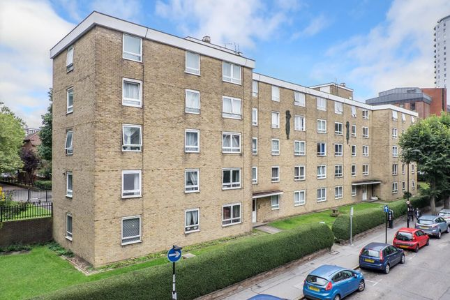 1 bed flat for sale in Altyre Road, Croydon CR0