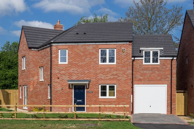 Thumbnail Detached house for sale in Lowes Lane, Wellesbourne, Warwick