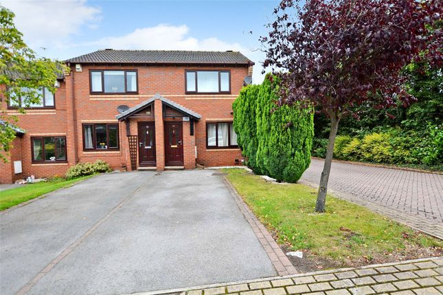 2 bed town house for sale in Hollins Park, Kippax, Leeds LS25
