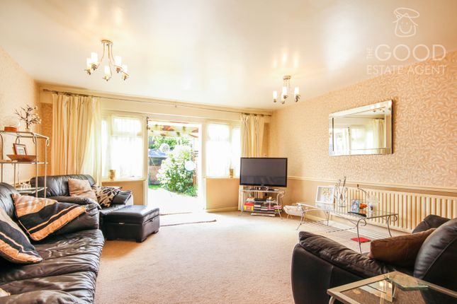 Thumbnail Flat for sale in Kings Close, London