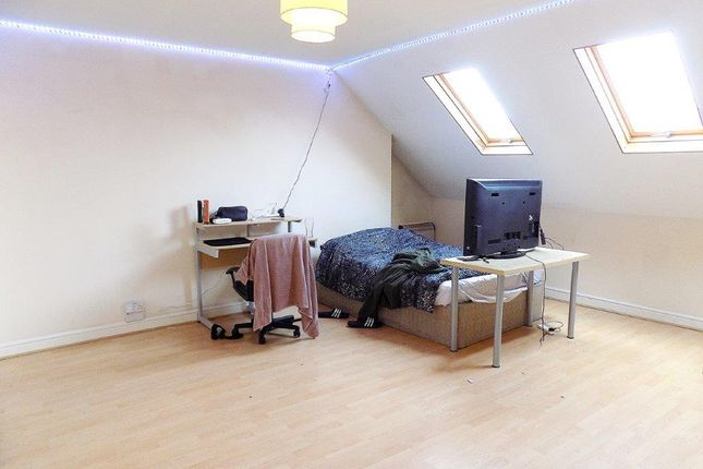 Thumbnail Maisonette to rent in Wilberforce Road, Southsea