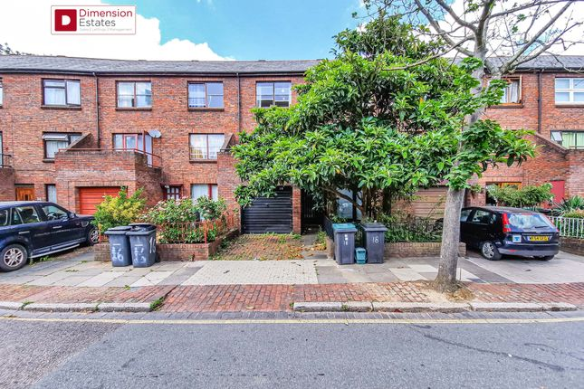Thumbnail Town house to rent in Plevna Crescent, London