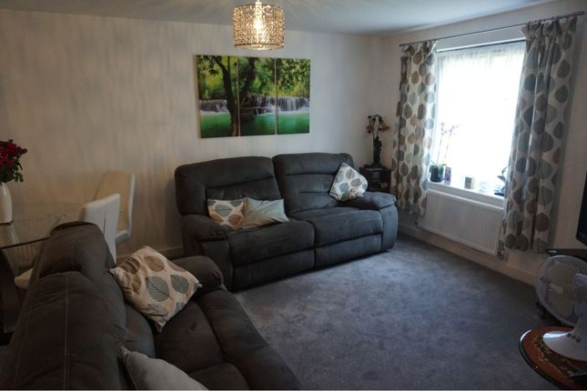 Lounge of 61 Kinderlee Way, Chisworth, Glossop SK13