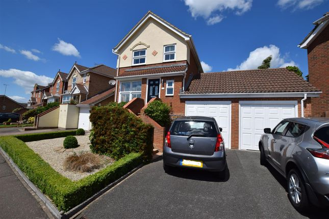 Thumbnail Detached house for sale in Kestrel Rise, Halstead