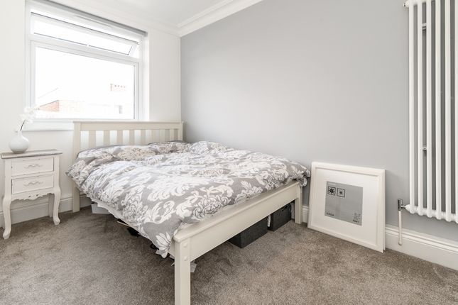 Thumbnail Flat to rent in Brasted Close, London