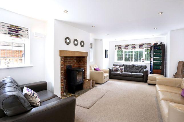 Living Room of Avenue Road, Farnborough, Hampshire GU14
