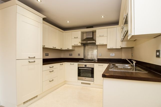 2 bed flat to rent in Thornley Close, Abingdon OX14
