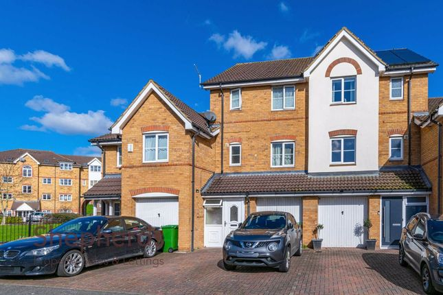 Thumbnail Terraced house for sale in Ontario Close, Broxbourne, Hertfordshire