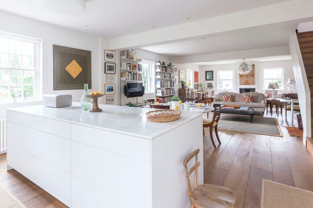 Thumbnail Duplex to rent in St. Marks Road, London
