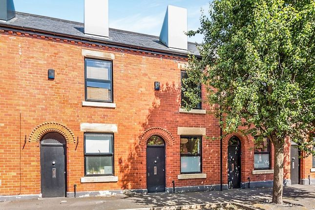 Thumbnail Terraced house to rent in Reservoir Street, Salford