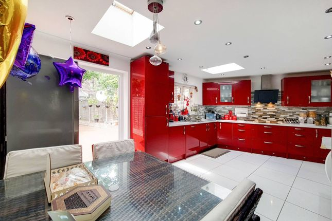 3 bed property for sale in Turnstone Close, Plaistow, London E13