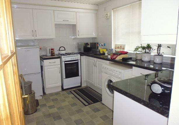 Thumbnail Flat to rent in Bughtlin Green, Edinburgh EH12,