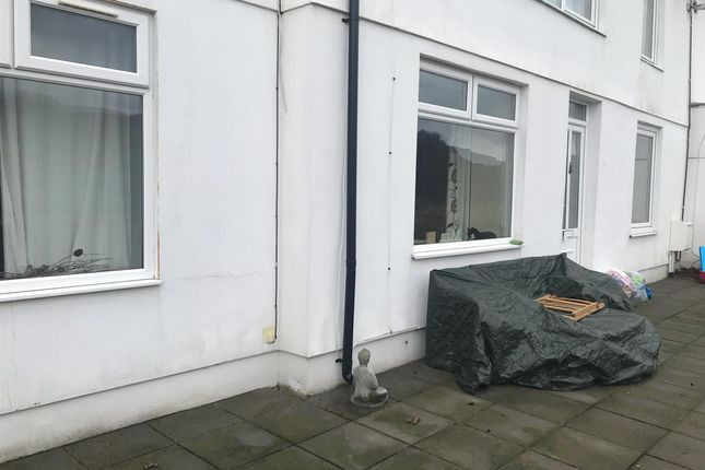 Thumbnail Flat to rent in Ground Floor Flat, 94 Cilfynydd Road, Pontypridd