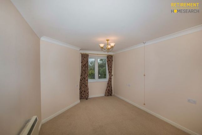 Bedroom of Highview Court, Highcliffe BH23