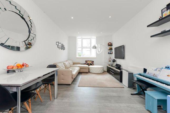 2 bed flat for sale in Bromyard Avenue, London