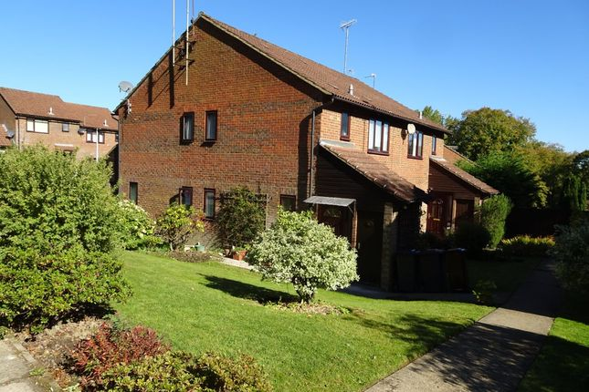 Thumbnail Property to rent in Kemps Farm Road, Crowborough