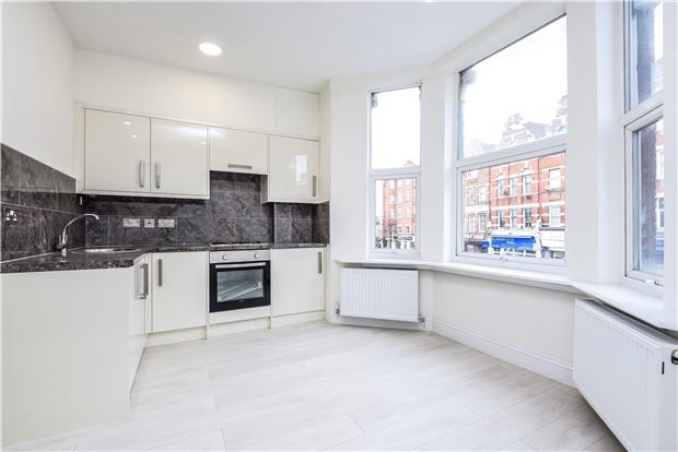 1 bed flat for sale in Streatham High Road, London