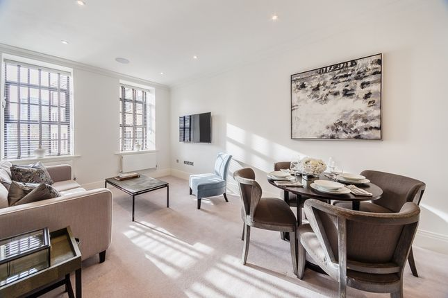 Flat to rent in Rainville Road, London