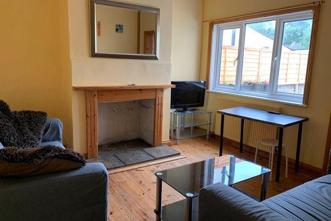 4 bed terraced house to rent in Lorne Road, Bath BA2