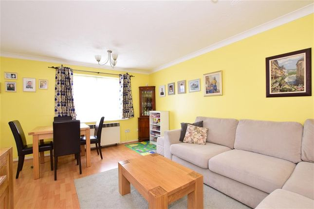 Lounge/Diner of Overton Drive, Chadwell Heath, Essex RM6