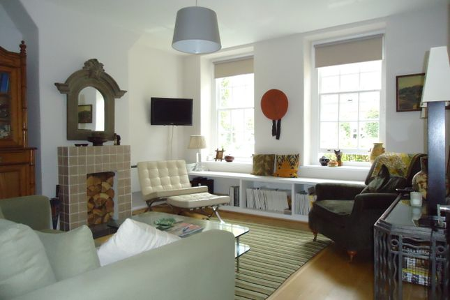 Living Room of Vicarage Crescent, London SW11