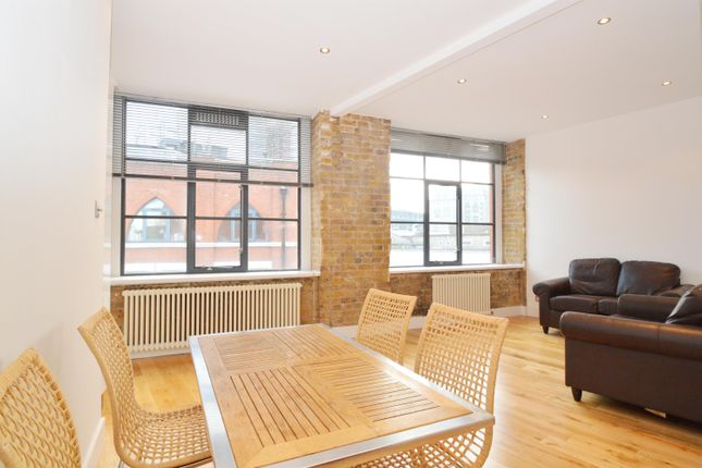 1 bed flat to rent in Saxon House, Thrawl Street, London