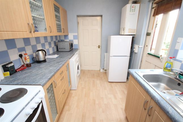 Thumbnail Property to rent in Madrid Road, Guildford