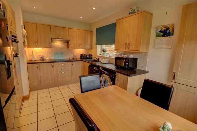 2 bed bungalow for sale in kipling walk eastbourne bn23 45107120 zoopla
