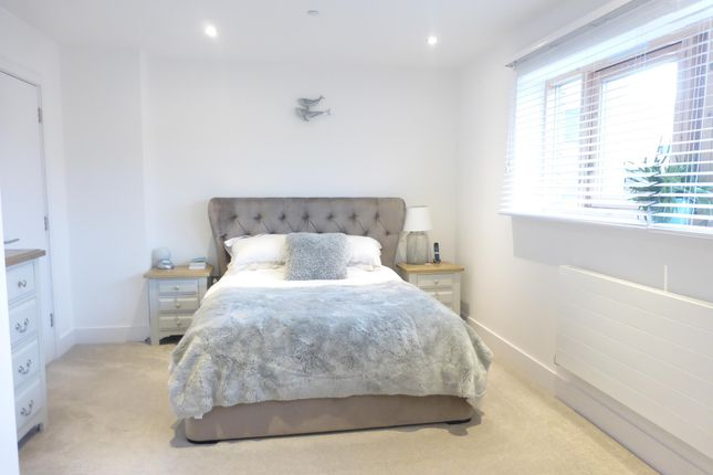 Thumbnail Property to rent in Empire Way, Cardiff