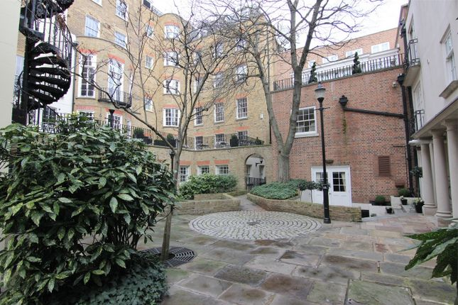 Thumbnail Mews house to rent in Saddle Yard, London