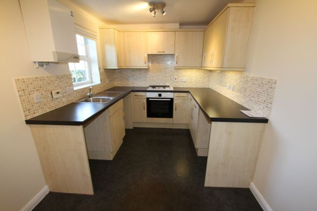 Thumbnail Town house to rent in Sage Close, Banbury