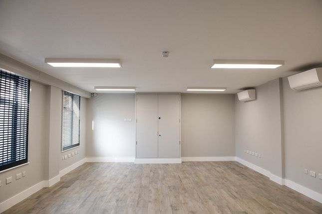 Thumbnail Office to let in Station Road, Borehamwood, Herts