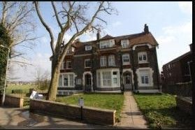 Thumbnail Flat to rent in Flat, Mount View Road, London