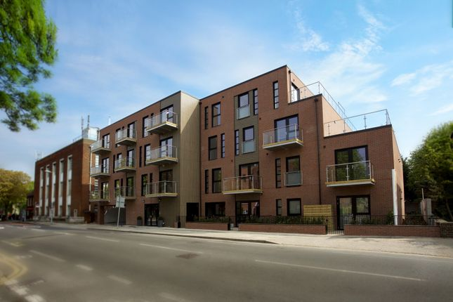 Thumbnail Flat for sale in Coombe Road, New Malden