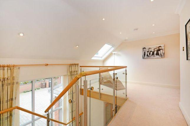 Gallery Landing of Rivendell, Derriman Glen, Ecclesall, Sheffield S11