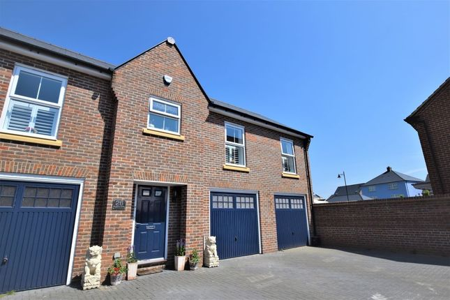 Thumbnail Flat for sale in Bayford Way, Stansted