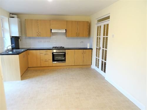 Thumbnail Terraced house to rent in Featherstone Industrial Estate, Dominion Road, Southall
