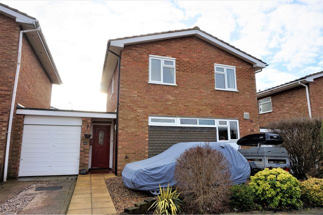 Thumbnail Detached house for sale in Hillside Close, Shillington