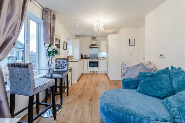 Thumbnail Flat for sale in Brook Mead, Campbell Court, Basildon