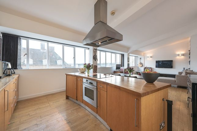 Thumbnail Flat to rent in Goldney Road, London