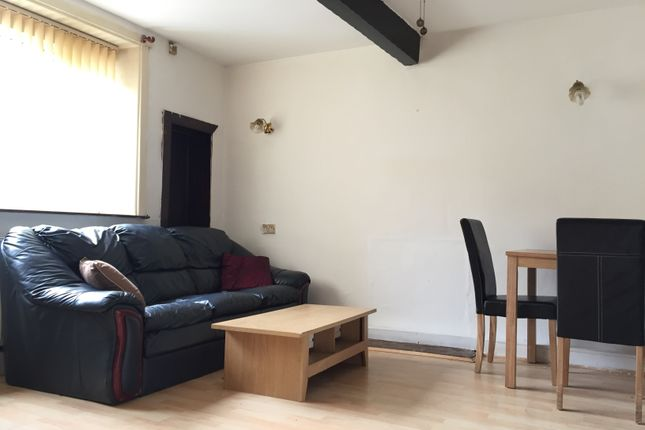 Thumbnail Cottage to rent in Beckside Road, Bradford