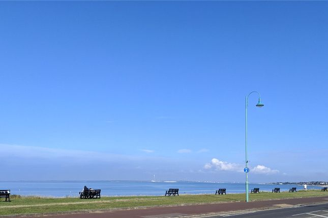 Flat for sale in Marine Parade West, Lee-On-The-Solent, Hampshire