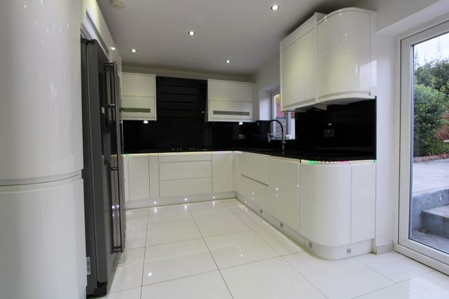Thumbnail Semi-detached house to rent in Holne Chase, Morden