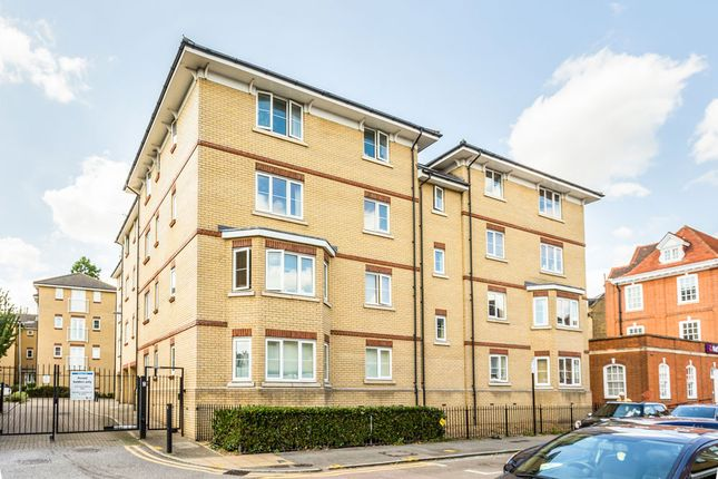 Thumbnail Flat for sale in Alveston Square, South Woodford