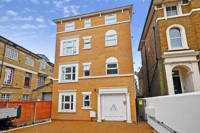 Thumbnail Flat for sale in New Wanstead, London