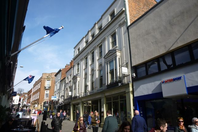 Retail premises to let in High Street, Lincoln