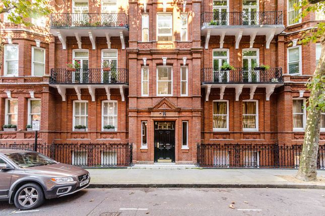 2 bed flat for sale in Earls Court Square, Earls Court, London SW5
