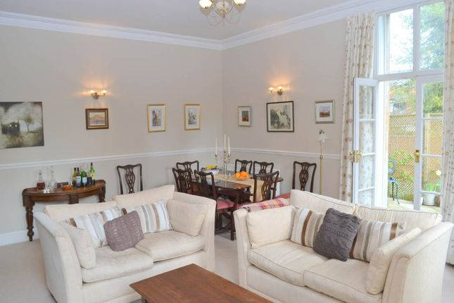 Thumbnail Flat to rent in Castle House, Old Bath Road, Newbury
