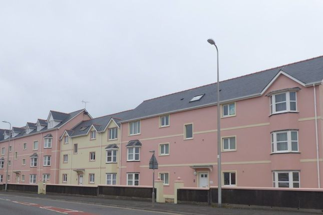 Thumbnail Flat to rent in Borough View, Pembroke Dock, Pembrokeshire